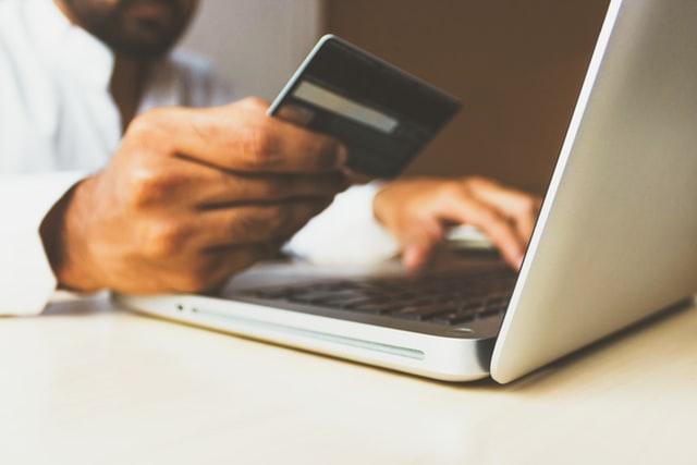 You are currently viewing הטיפים והטריקים הטובים ביותר לקניות באינטרנט